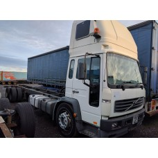 2003 Volvo FL6 Truck Breaking For Parts