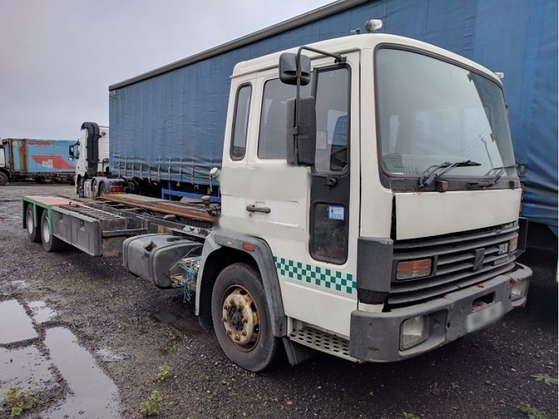 1996 Volvo FL6 Truck Breaking For Parts
